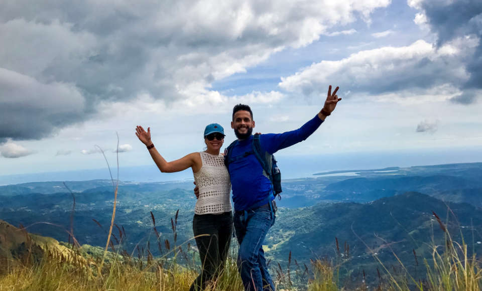 Two people on a hiking experience at Pico Rodadero